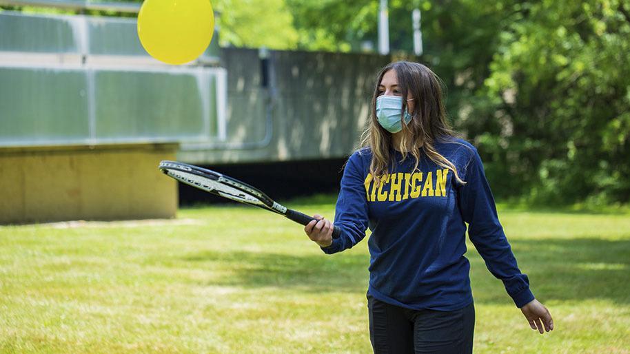 Bouncing Balloon Tennis Game