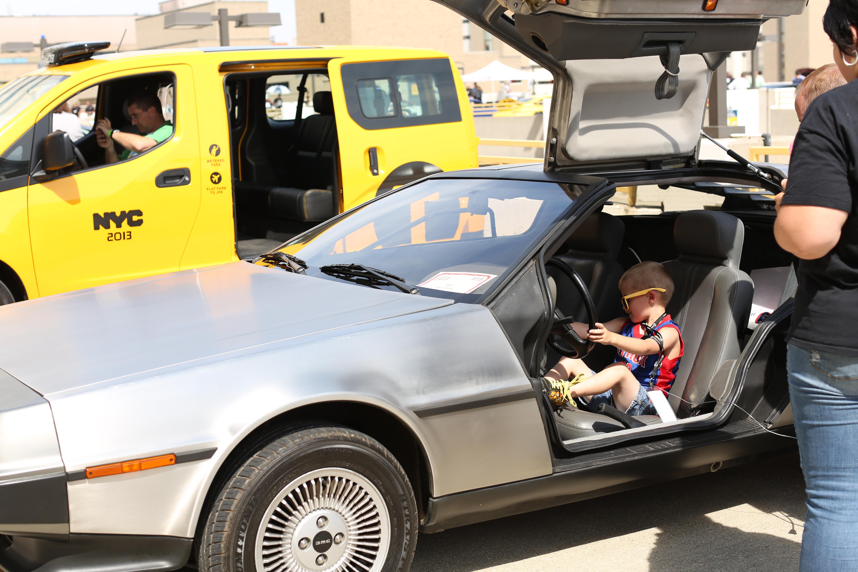 Mott patients visit car show
